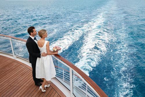 Brautpaar auf See